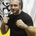 тренер Чинук Жигар